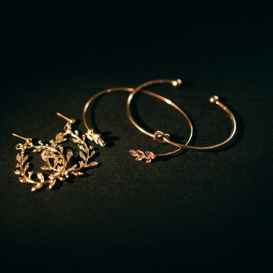 view of various gold jewellery pieces
